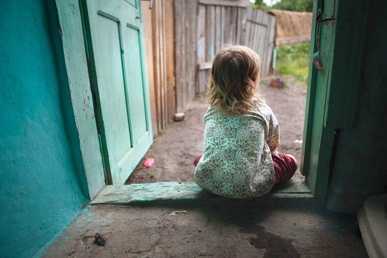 copiii singuri acasa