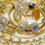 bijuterii aur diamante rubine